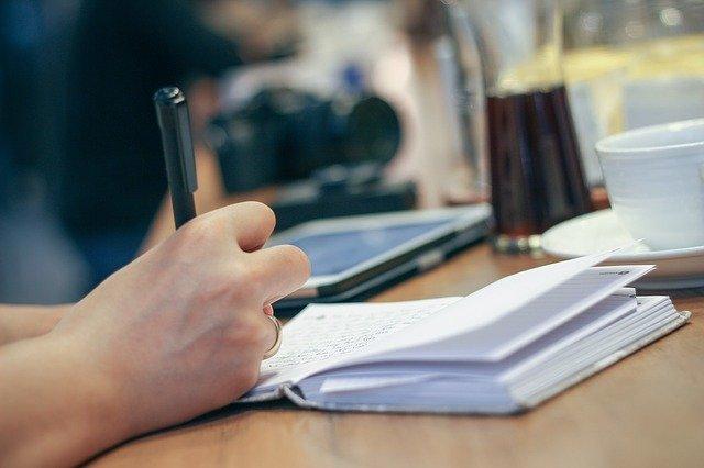 psaní do zápisníku