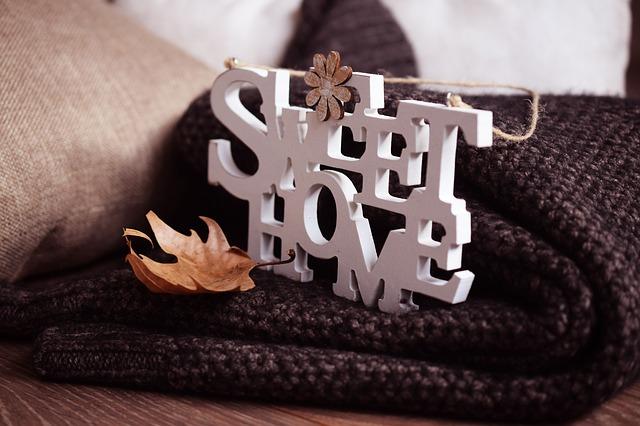 Dřevěný nápis SVEET HOME